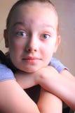 Uttrycksfulla ögon på ung flicka arkivbilder