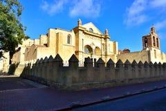 Utvändig sikt av domkyrkan av Santo Domingo i den koloniala staden av Santo Domingo Arkivfoton