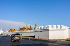 Utvändig tempel av Emerald Buddha i Bangkok, Thailand Arkivfoto
