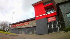 Utvändiga Broadhurst parkerar, Manchester, England lager videofilmer