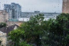 utvändigt regnfönster Arkivbilder