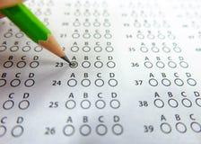 Utvalt val för blyertspennateckning på svarsark Arkivfoto