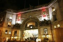 Utvändig sikt av den London Waterloo stationen Royaltyfri Foto