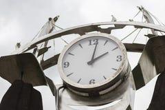 24 uur op 24 uur metaalkader Royalty-vrije Stock Fotografie