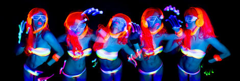Uv glöddansare för sexigt neon Royaltyfri Fotografi