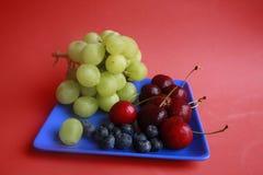 Uva, ciliege, mirtilli Fotografia Stock Libera da Diritti