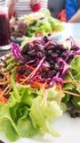 Uva passa mista delle verdure dell'insalata Immagini Stock