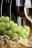 Uva, queso y vino Foto de archivo