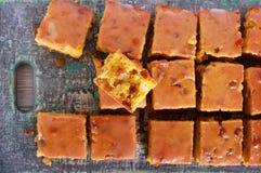 Uva sultanina e barre ghiacciate arancio immagine stock