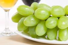 Uva verde fresca Imagenes de archivo