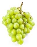 Uva verde isolada no fundo branco fotografia de stock