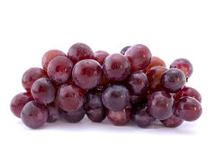 Uva vermelha isolada no branco Fotografia de Stock Royalty Free