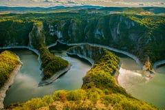 Uvac-Fluss-Schlucht Stockbilder