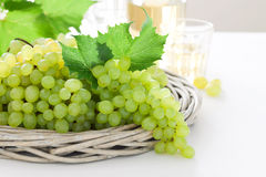 Uvas brancas frescas Fotografia de Stock Royalty Free