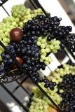 Uvas coloridos e ameixas Imagens de Stock Royalty Free