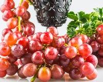 Uvas de las uvas rojas Fotografía de archivo libre de regalías