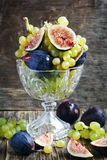 Uvas e figos frescos Imagem de Stock Royalty Free