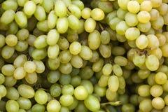 Uvas em um mercado Fotos de Stock