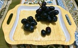 Uvas negras Imagen de archivo libre de regalías
