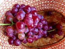 Uvas rojas Fotos de archivo libres de regalías