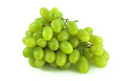 Uvas verdes en blanco fotografía de archivo