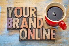 Uw merk online in houten type royalty-vrije stock foto's