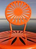 Uw sitzt Orange vor Lizenzfreie Stockfotos