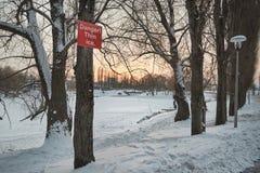 Uwaga cienki lód obrazy royalty free