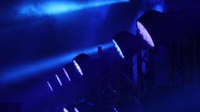 Uwalnia scenę z światłami, oświetleniowi przyrząda Scena zaświeca błękit zbiory