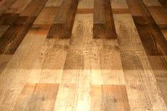 Uwarstwia podłoga pod naturalnymi drewnianymi deskami na podłoga Fotografia Stock