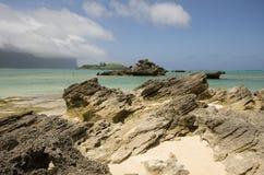 Uwarstwiony calcarenite przy laguny plaży władyki Howe wyspą zdjęcie royalty free