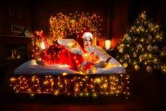Uwodzicielski tłuściuchny Santa helpe Obrazy Royalty Free
