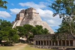 uxmal玛雅墨西哥的金字塔 免版税库存图片