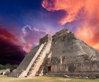 uxmal玛雅墨西哥的金字塔 免版税库存照片