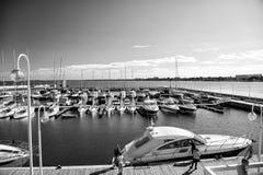 Uxury-Yachten koppelten am Hafen Molo von Sopot an Stockbild
