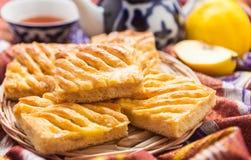 Uzbeka krajowy jedzenie na tradycyjnych tkanin adras Zdjęcia Royalty Free
