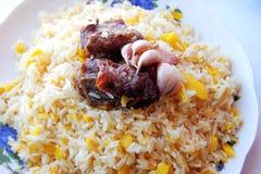 Uzbekisk nationell maträtt av pilaff royaltyfria foton