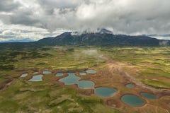 Uzoncaldera in Kronotsky-Natuurreservaat op het Schiereiland van Kamchatka stock foto