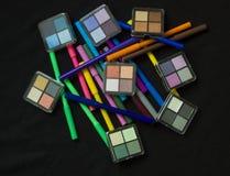 Uzupełniał produkty z Colourful piórami Obrazy Stock