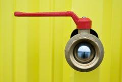 Válvula cerrada del abastecimiento de agua Fotografía de archivo libre de regalías
