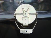Válvula com a tampa da capacidade metálica Foto de Stock