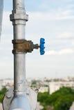 Válvula com tubulação de água Imagens de Stock