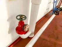Válvula cortada manual da tubulação da tomada da linha de abastecimento da água do sistema da luta contra o incêndio Imagens de Stock