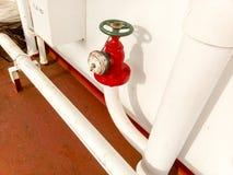 Válvula cortada manual da tubulação da tomada da linha de abastecimento da água do sistema da luta contra o incêndio Foto de Stock