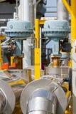 Válvula de controle ou regulador de pressão no processo do petróleo e gás Imagem de Stock Royalty Free