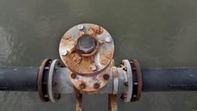 Válvula e tubulação grandes Fotografia de Stock Royalty Free
