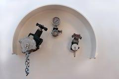 Válvula en el tanque Fotos de archivo