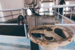 Válvula en la depuradora  Fotografía de archivo libre de regalías