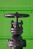 Válvula en verde Foto de archivo libre de regalías