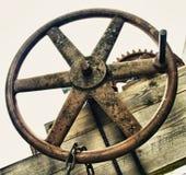Válvula industrial de la rueda con la manija Foto de archivo libre de regalías